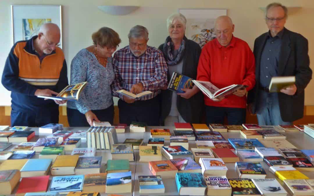 50 Besucher beim Büchertausch