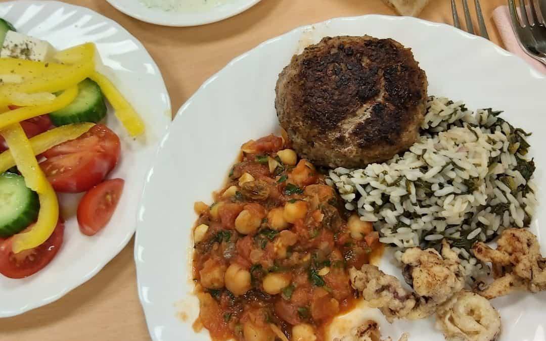 Gelungener Griechischer Abend der Kochgruppe 3 und 4